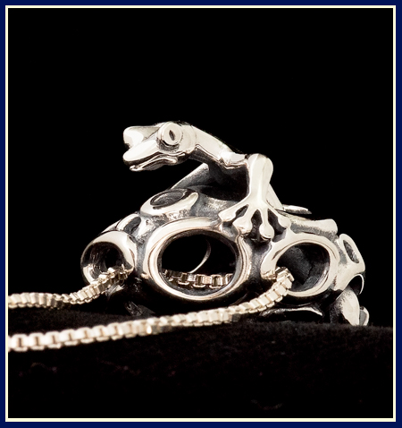 Lizard in Filigree Bead Necklace, Anomaly © 1